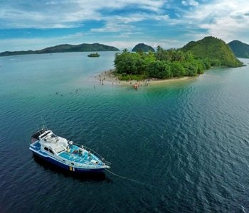 4H3M Exotic Mandeh Island