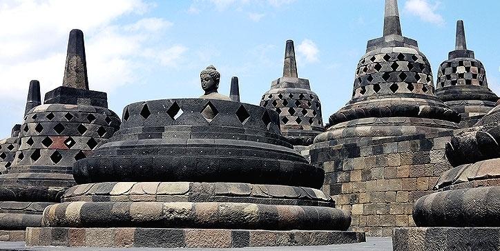 4D Open Trip Jogja Borobudur Merapi Jeep Tour