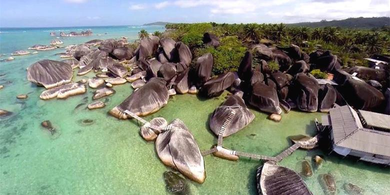 4D Open Trip Open Trip Pulau Natuna + Alif Stone Park