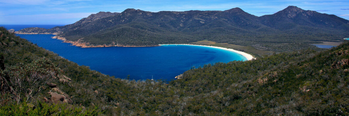 4D/3N Experience Hobart with Tasmanian Devils and Wineglass Bay Tour