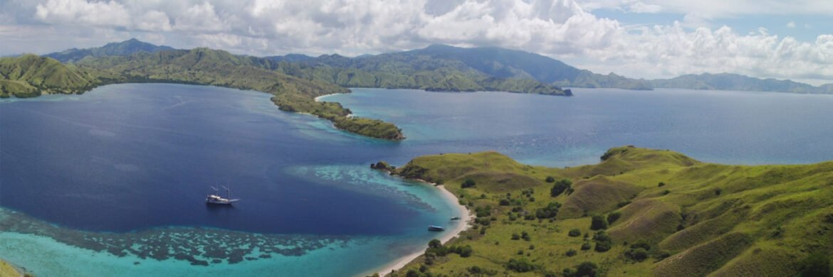 4D/3N Favourite Labuan Bajo – Komodo Trails 2 Nights on board  1 Night Hotel