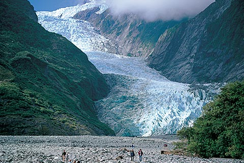 Fox Glacier Activities – Fox Trail/Heli Ice Climbing Adventure/Mountain Spectacular snow landing